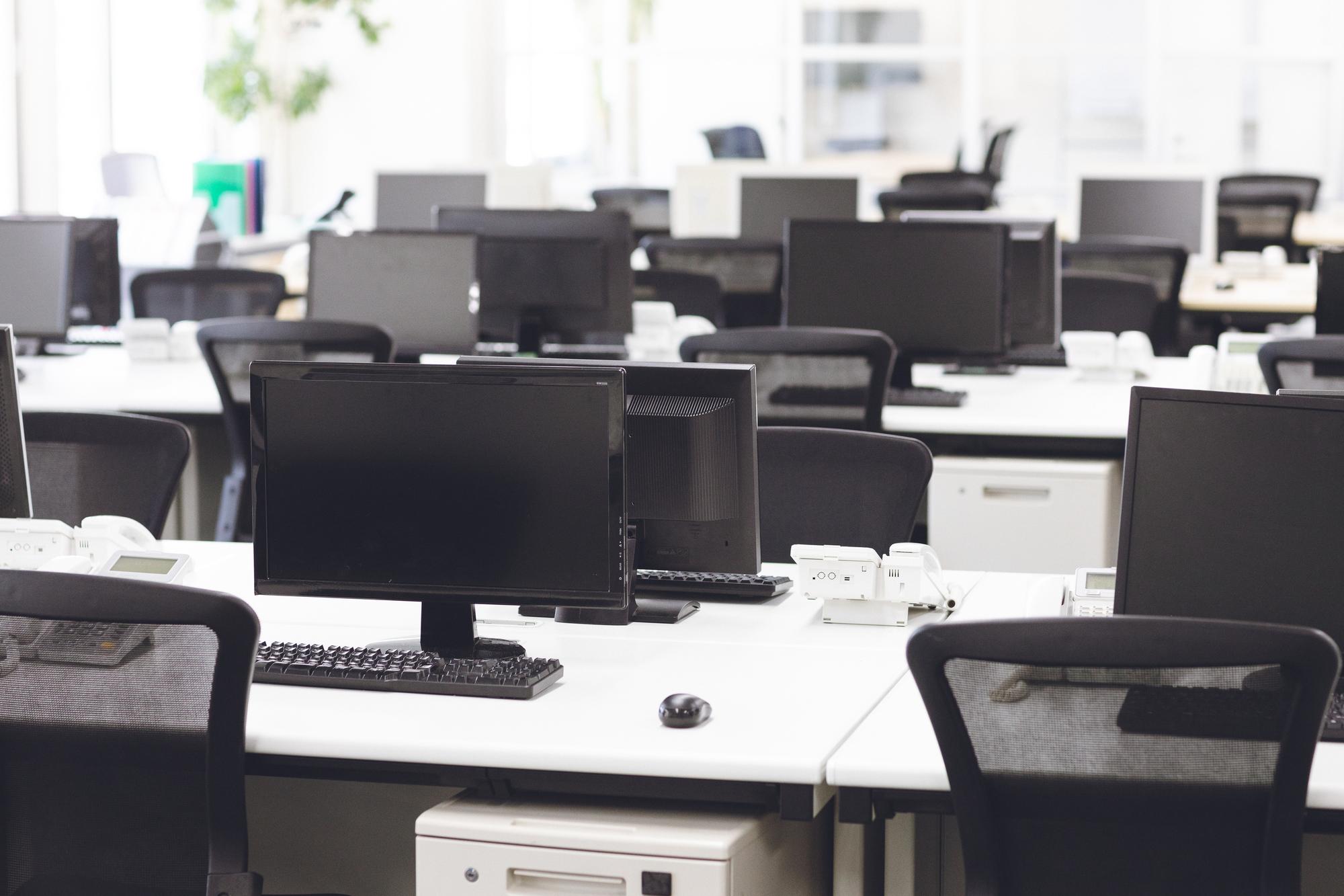オフィス家具・事業ゴミの処分方法と不用品回収業者選びのポイント!